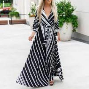 Vici Black and white maxi
